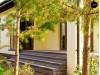 Проект одноэтажного дома с гаражом для двух автомобилей, с большой площадью остекления в дневной зоне - Z200